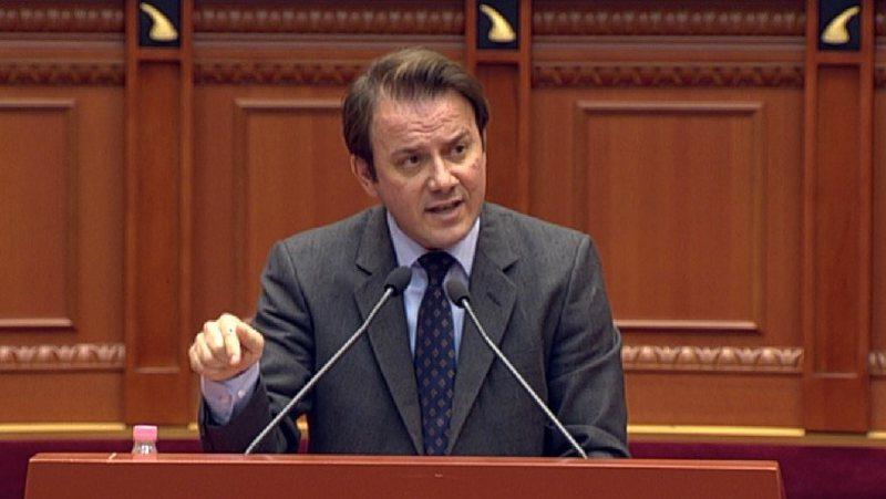 Pas tensioneve në Parlament rifillon seanca, Ralf Gjoni ultimatum