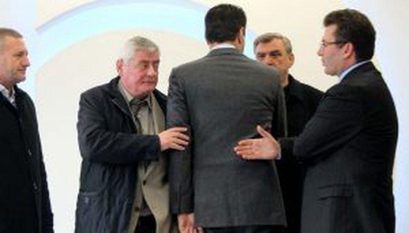 Reforma Zgjedhore/ Duka presion Lulzim Bashës: Po tradhtohet kauza