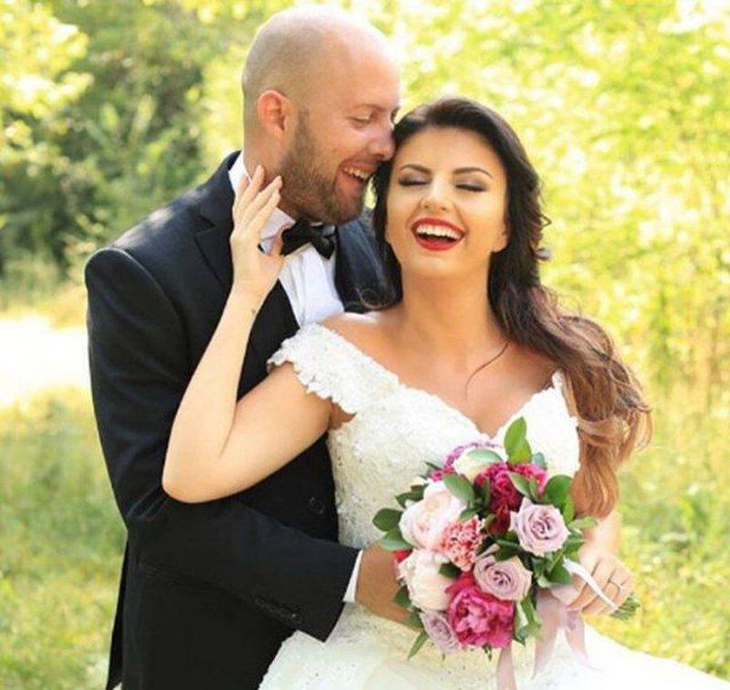 Pas ndarjes nga bashkëshorti që bëri bujë në media