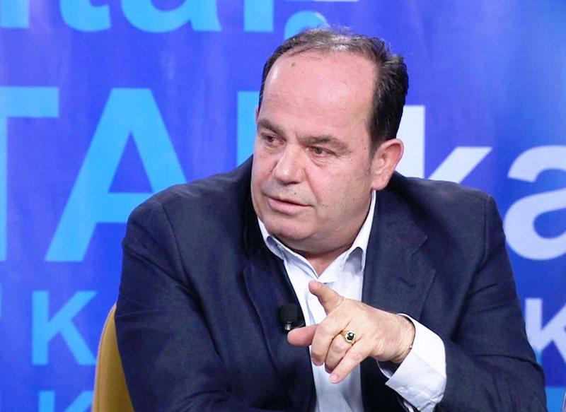 Përplasjet për Kushtetuesen / Juristi Sokol Azizaj jep mesazhin e