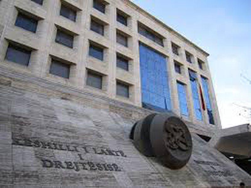 KLD: Qeveria kërkon kontrollin politik të sistemit të