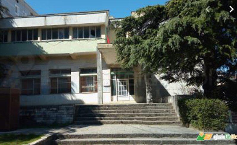 """Teatri """"Zihni Sako"""" që nga 1971 pa asnjë ndërhyrje,"""