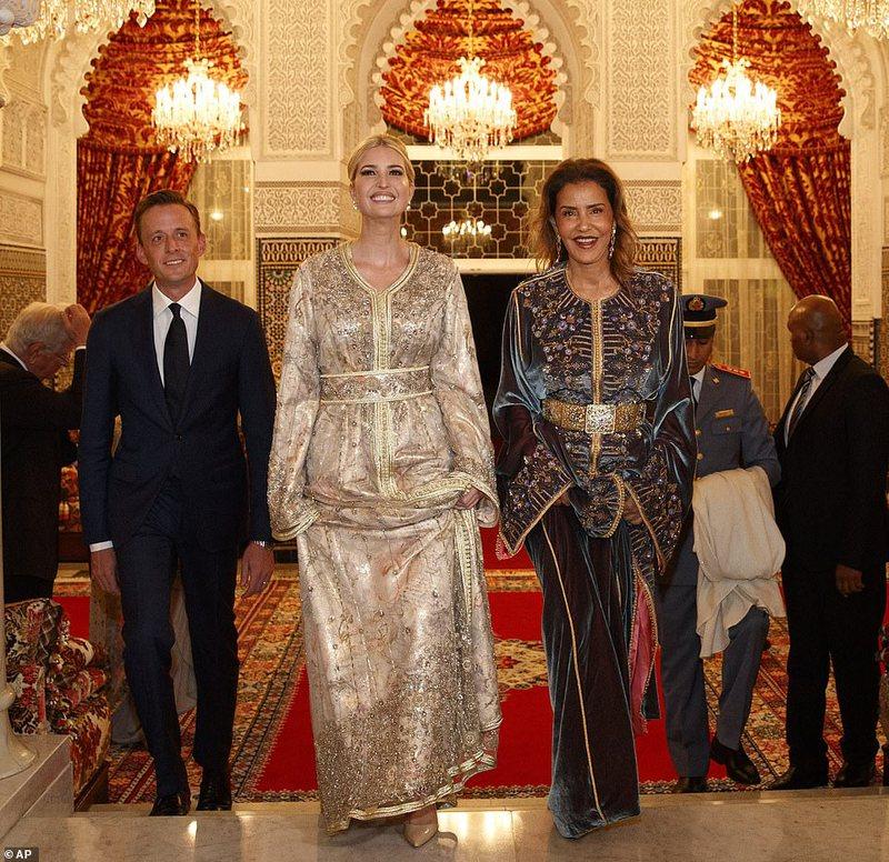 E gjitha prej ari, vajza e Donald Trump i befason të gjithë me veshjen