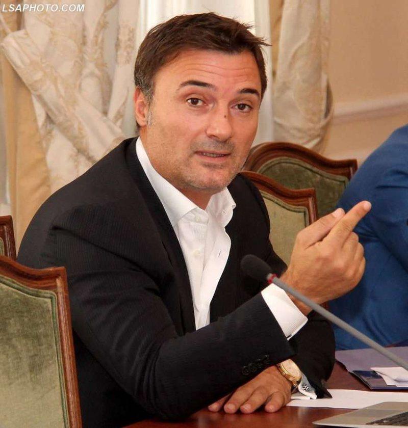 Alibeaj akuza të forta qeverisë: U angazhua gjithë shteti privat