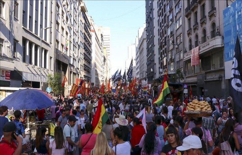 """Argjentinë, protesta kundër """"grushtit të shtetit"""""""