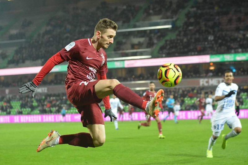 Ivan Balliu largohet nga Metz, 4 klube spanjolle dhe angleze në garë