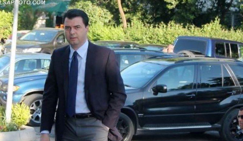 Pas takimit me ambasadorin britanik në selinë blu, Basha bën