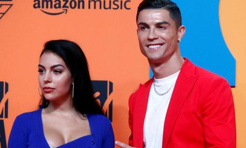 """Na e """"hodhi"""" të gjithëve, Cristiano Ronaldo ndërmerr"""