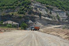 Ndërtimi i rrugës Qukës-Qafë Plloçë drejt