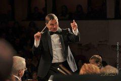 Orkestra Simfonike e RTSH me dirigjent Oleg Arapi, sjell premierën