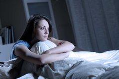 Studimi/ Sa minuta ju duhen për të fjetur? Shpjegon gjithçka