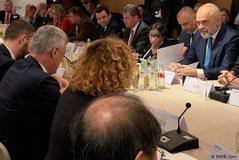 Takimi me dyer të mbyllura në Gjermani, Deutsche Welle zbulon