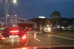 Aksidenti zinxhir në autostradën Tiranë-Durrës, bllokohet