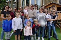 Familja më e madhe në Britani bëhet edhe më e madhe, gati