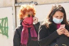 Kush duhet të mbajë maskë? Studimi amerikan i jep fund