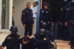 Avokati i drejtohet gjykatës, kërkon lirimin nga burgu të