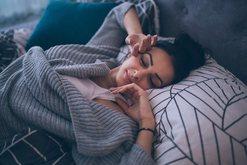 Shkoni vonë në shtrat? Ekspertët tregojnë arsyen pse nuk