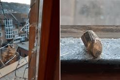 E rëndë! Sulmohet me armë banesa e gazetarit të njohur