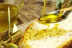 Pini çdo mëngjes një lugë vaj ulliri dhe do të