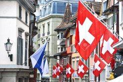 Zvicra i ndalon hyrjen politikanit të njohur shqiptar/ Organizata që
