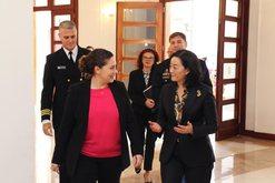 Ambasadorja e re e SHBA-së pas takimit me ministrat paralajmëron