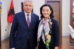 Pas takimit me kryeprokurorin Çela, ambasadorja e SHBA zbarkon në