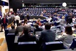 Qasja e re ndaj zgjerimit, Samiti i Brukselit jep lajmin që