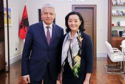 Yuri Kim takoi Sandër Lleshajn, reagon Ambasada Amerikane: Të luftohet