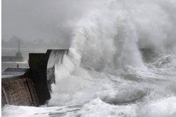 Alarm i kuq në Francë dhe Belgjikë, stuhia 'Dennis'