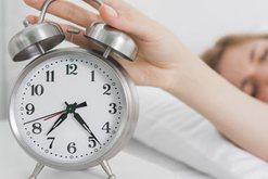 E urreni zgjimin herët në mëngjes? Hiqeni alarmin, kjo