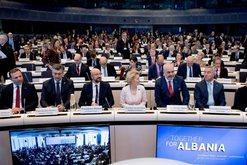 Dhënia e 1.15 miliardë eurove për rindërtimin nga