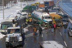 Kaos i vërtetë nga aksidenti i tmerrshëm, përplasen 200
