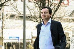 Kryeministri i Kosovës shkoi në zyrë në këmbë,