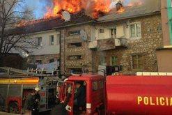 Zjarr i madh në një pallat në Tropojë, dalin detajet e para