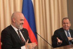 Deklaratat e Ramës përballë Lavrov përplasin Uashingtonin me