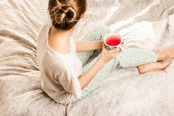 5 këshilla nga psikologët si t'i mbijetoni karantinës