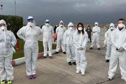30 mjekë shqiptarë i shkuan në ndihmë Italisë, reagon