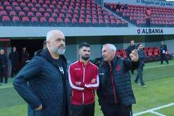"""""""Më dëgjo edhe këtë herë"""", futbollisti i"""