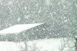 Kthesa e papritur e motit/  Stuhia e borës në drejtim të