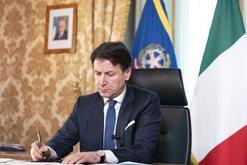 Italia e 'gjunjëzuar' nga koronavirusi, kryeministri Conte