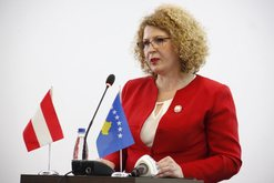 Qeveria në detyrë e Kosovës shkarkon bordet e disa
