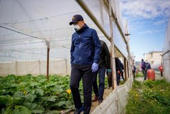 Balla takim me fermerët në Elbasan: Shqiptarët të