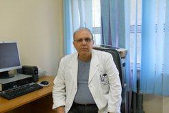 Mjeku Tritan Kalo kritikon televizionet dhe këshillon qytetarët: