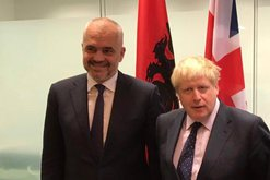 Dita e dytë e kryeministrit britanik në terapi intensive, Rama tregon