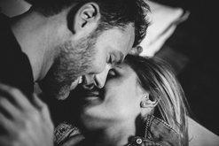 Lumturia nuk rrit aktivitetin seksual, por më shumë seks i bën