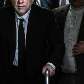 U dënua me burg pas akuzave për përdhunim, regjisori i njohur