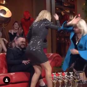 Plas sherri nënë e bijë në emision, Rita Lati i kthehet keq