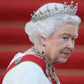 Koronavirusi rrezikon mbretëreshën Elisabeth, kamerieri shumë