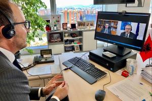 Ambasadori i BE video- konferencë me kreun e opozitës,