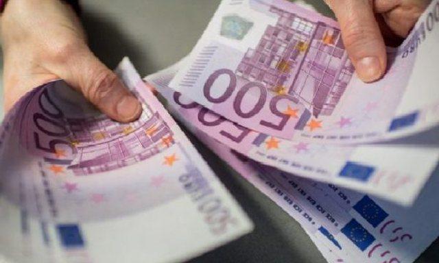 Çfarë po ndodh me euron? Ekspertët: Shkak u bë Eurobondi,